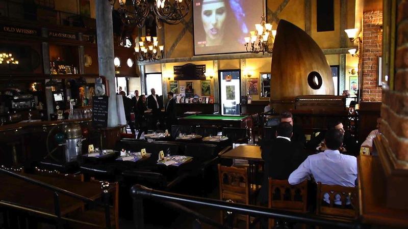 Le French Pub